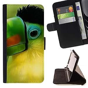 Momo Phone Case / Flip Funda de Cuero Case Cover - Loro Verde Pico Pájaro tropical Naturaleza - Motorola Moto E ( 1st Generation )