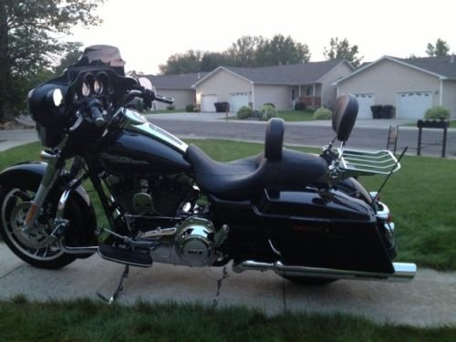 Wisdom Motorcycle Backrest Sissy Bar and Luggage Rack with LOCK for Harley Davidson Touring Models 2009 and Up by Wisdom Motorcycle (Image #8)
