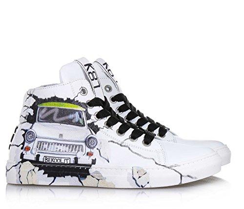 c230f9a956d2d1 Be Kool Weißer Schuh mit Schnürsenkeln Aus Leder von der Welt der ...