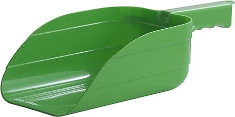 LBH Market Sturdy Lightweight Plastic Feed Scoop 3 Qt Green