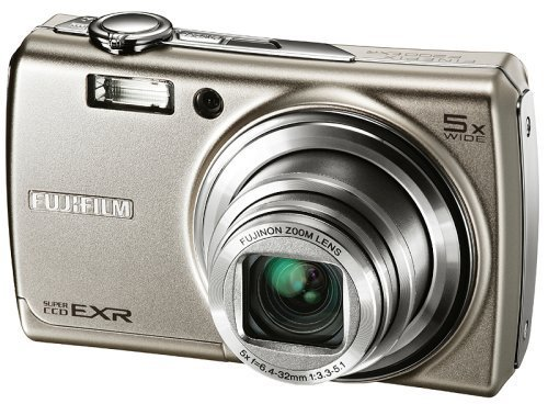 Fujifilm FinePix F200EXR Kit 12MP Super CCD Digital Camera with 5x Wide Angle Dual Image Stabilized Optical Zoom (Silver) + WSP/iCon Case.