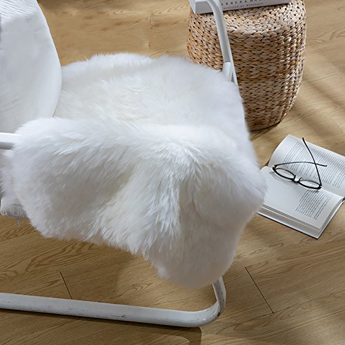 Cuteshower Serene Super Soft Faux Fur Rug Kids Carpet with Fluffy Thick Used As An Area Rugs in Bedroom 2ft x 3ft, White