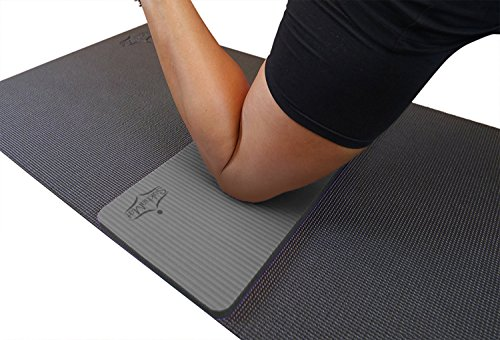 SukhaMat Yoga Knee Pad Complements