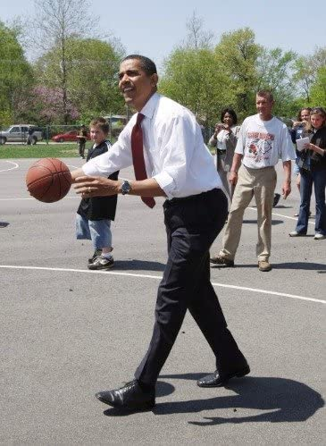 BARACK OBAMA /& AIDE PLAYING BASKETBALL 8X10 PHOTO PRES