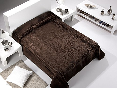 European - Made in Spain warm blanket Serena 220x240 Marron Color 1 PLY by MORA Blankets