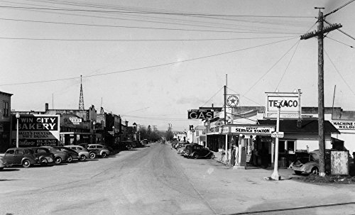 East Stanwood  Washington   Street Scene  View Of A Texaco Gas Station   Vintage Photograph  12X18 Signed Print Master Art Print W  Certificate Of Authenticity   Wall Decor Travel Poster