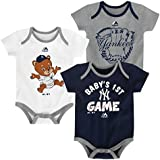 66aeed71f Amazon.com: Outerstuff Chicago Cubs Small Fan Baby/Infant 3 Piece ...