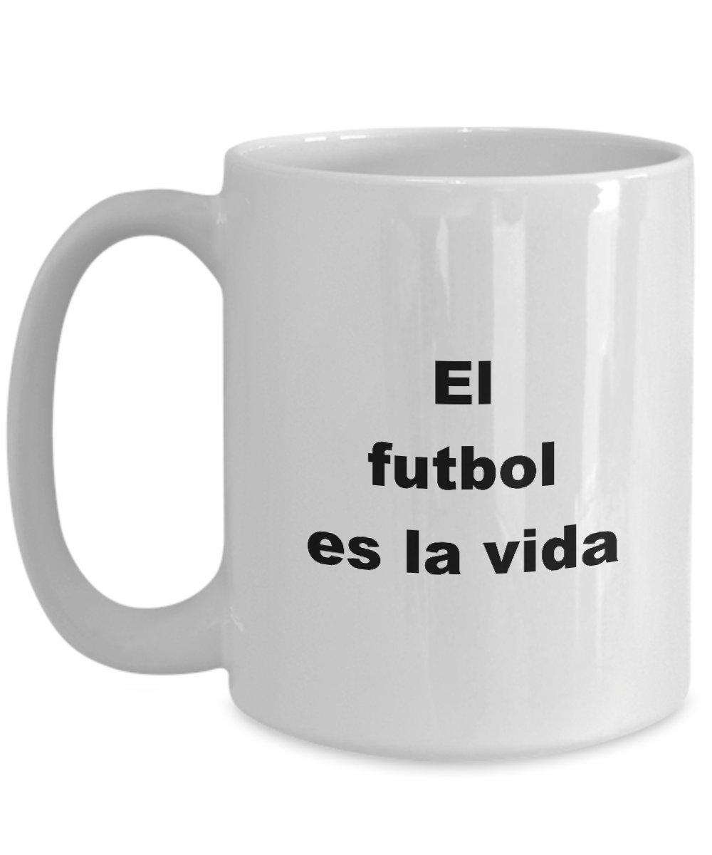 Amazon.com: El futbol es la vida Taza Regalo de Cumpleanos ...