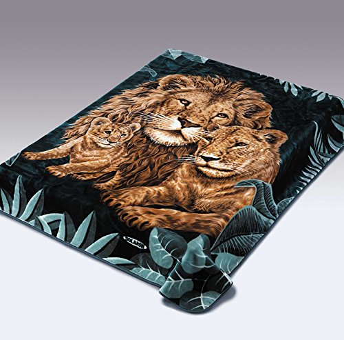 Solaron Original Lion, Lioness, Cub Thick Mink Plush Korean Style Super Soft Queen Size Blanket - Green