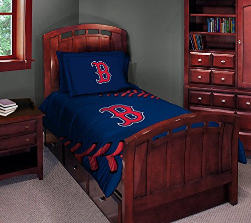 (MLB Boston Red Sox Twin/Full Comforter with Two Pillow Shams)