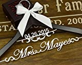 Personalized Hanger, Vintage Custom date Wood Hanger for Bride, Mother of the Bride's Gift, Gift for Groom EL002