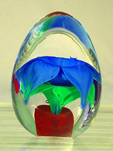 blue-flower-paperweight-w-tilt