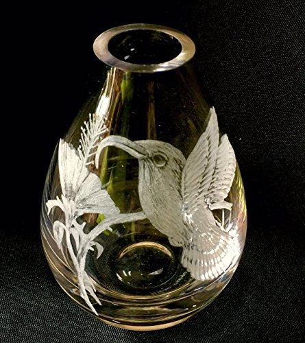Hand Engraved Hummingbird Vase, Engraved Hummingbird, Etched Birds, Hummingbird Floral Bud Vase, Crystal Bud Vase (Vase Personalized Crystal)
