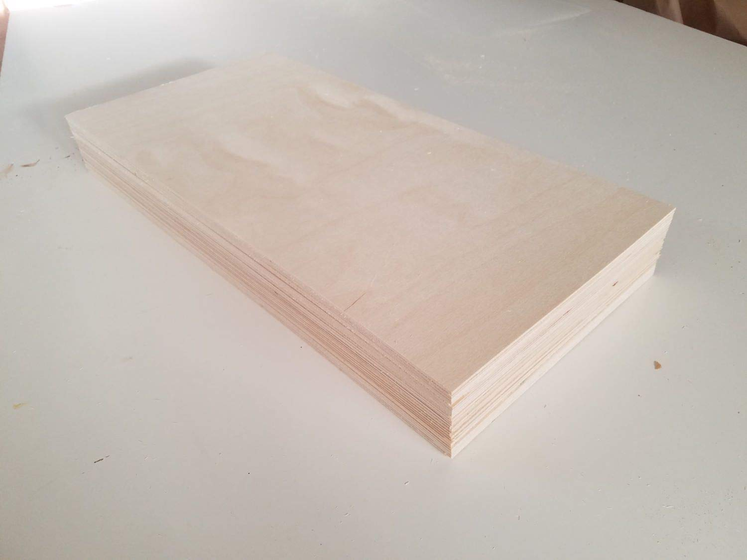 6MM 1/4'' x 12'' x 24'' Premium Baltic Birch Plywood Box of 12 B/BB Grade Birch Veneer Sheets one Clear face by The Kitchen Zone