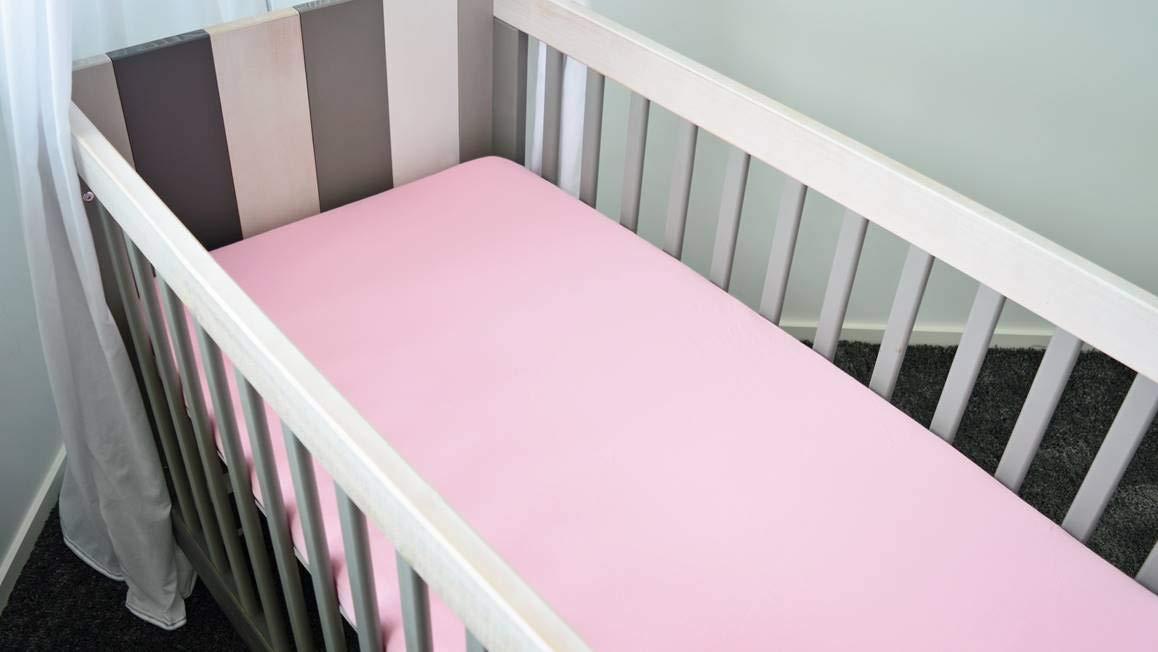 Kinderspannbettlaken 40x80 cm Snoozing Wiege Pink Flanell