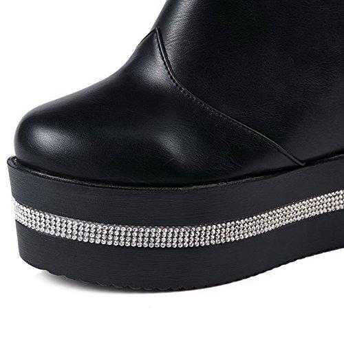 AllhqFashion Damen PU Leder Hoher Absatz Rund Zehe Rein Reißverschluss Pumps Schuhe Schwarz