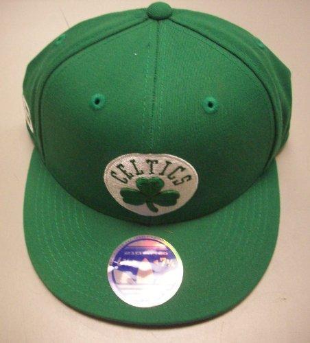 - Boston Celtics Flat Bill 210 Fitted Hat by Adidas size 6 7/8-7 1/4 TZV92