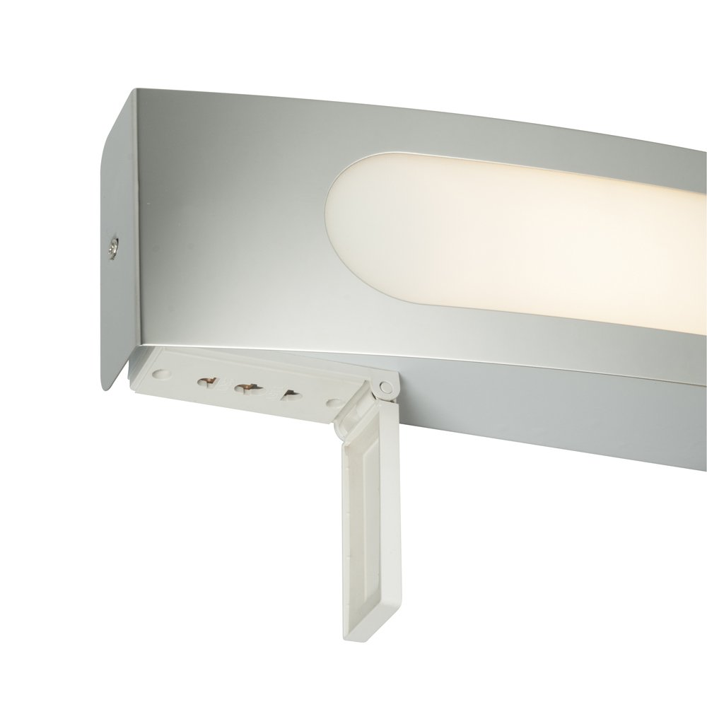 Modern Curved Chrome Trim Bathroom E14 Wall Light With Pull Cord Switch For Bathrooms Pullswitch And Dual Shaver Socket