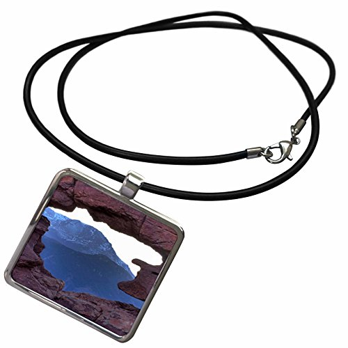 3dRose Bob Kane Photography Garden of the Gods - Pikes Peak Framed by Sandstone Hole - Necklace With Rectangle Pendant (ncl_120027_1) - Sandstone Framed