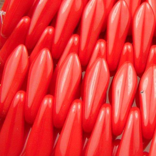- Czechmate 16mm X 5mm X 3mm Dagger Glass Czech Two Hole Bead - Opaque Red (25 beads)
