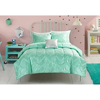 Beautiful, Soft and Elegant Your Zone Silver Cheetah Reversible Bed in a Bag Bedding Set, Mint Green, Full