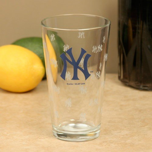 Yankees Pint Glass - 3
