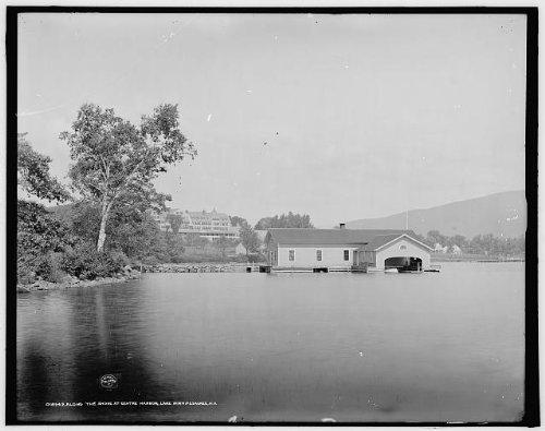 Photo: Along shore,boathouses,Centre Harbor,Lake Winnipesaukee,New - New House Zac Efron