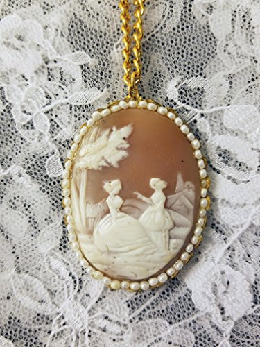 Real Shell Carved Cameo Pendant Necklace with Goldtone Chain