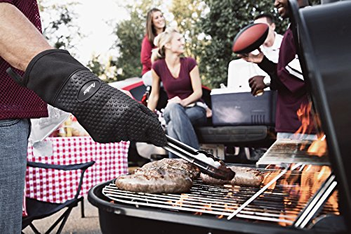 Auzilar Silicone Oven Mitts Extra-Long Heat Resistant Mitts Kitchen Gloves with Internal Cotton Lining for Cooking Pot Holder Grilling BBQ Baking Oven Fireplace Camping Kitchen and so on (Black) by Auzilar (Image #7)