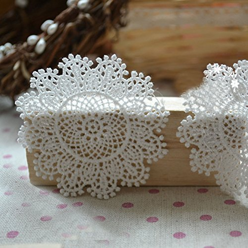 (20 PCS of Circular Snowflake Embroidery Lace Applique 7cm x 7cm)