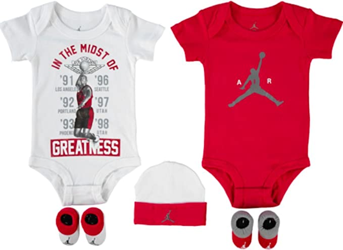 1e7f6d88ff90 Nike Air Jordan from The JUMPAN23 Collection - Baby 5-Piece Gift Set Red:  Amazon.co.uk: Clothing