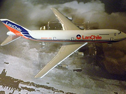 lan-chile-airlines-airlines-747-jet-plane-1600-scale-die-cast-plane-made-in-germany