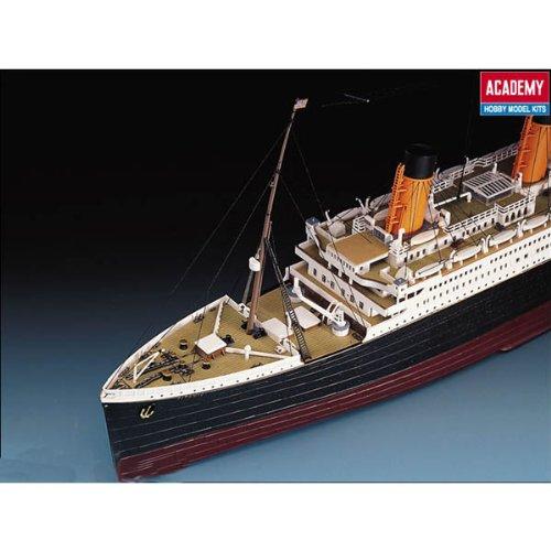 Academy AC14215-1//400 Titanic Schiff