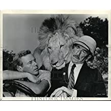 1965 Press Photo Marshall Thompson and Richard Haydn in Clarence Cross-Eyed Lion - 8.25 x 10 in. - Historic Images