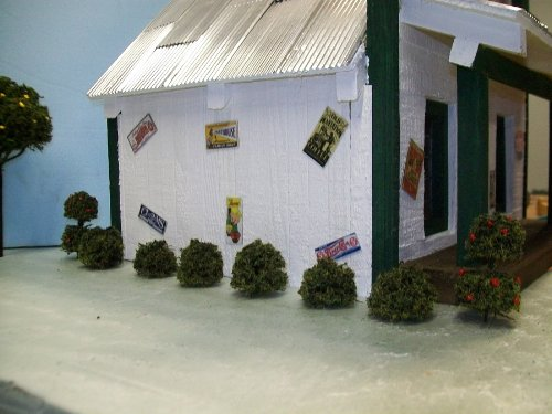EVERGREEN SHRUBS & TOPIARIES for Model Railroads, Snow Globes, Doll House Villages, Landscape Scenery - 8 PCS. (Topiary Globe)