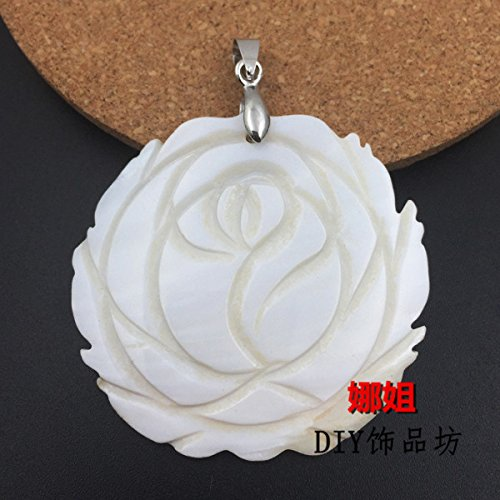 Simple natural shell carved rose necklace pendant women girls models clavicle chain accessories and generous mother pearl
