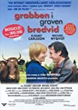 Grabben i graven bredvid (The Guy in the Grave Next Door) [Imported] [Region 2 DVD] (Swedish)