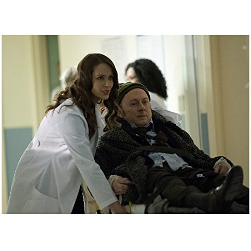 person-of-interest-michael-emerson-being-wheeled-by-amy-acker-in-hospital-8-x-10-inch-photo