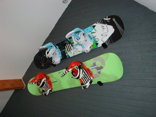Snowboard or Wakeboard Wall Mount Black