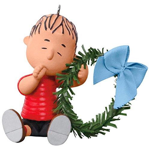Hallmark Keepsake 2017 PEANUTS A Comfy Christmas for Linus Christmas Ornament (Wreath Cartoon Christmas)