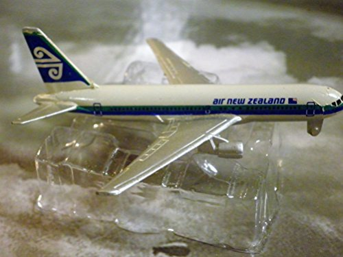 air-new-zealand-airlines-boeing-767-200-jet-plane-1600-scale-die-cast-plane-made-in-germany-by-schab