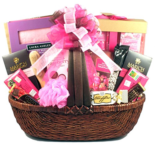 Gift Basket Village Mom To Be, Pregnancy Gift Set, 14 Pound by Gift Basket Village