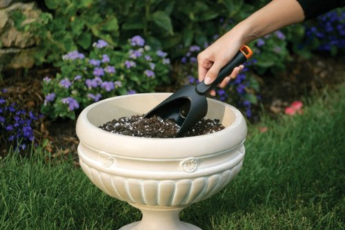 Fiskars Fiber Composite Soil Scoop (7068)