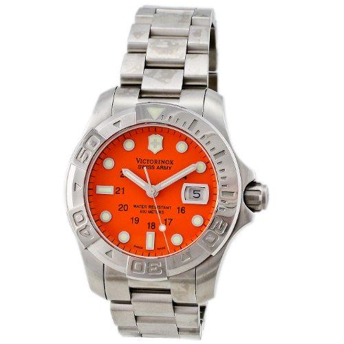 Victorinox Swiss Army Men s 241174 Dive Master 500 Silver Bezel Watch