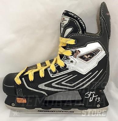 - Johnny Gaudreau Calgary Flames Signed Autographed CCM Vector 10.0 Hockey Skate
