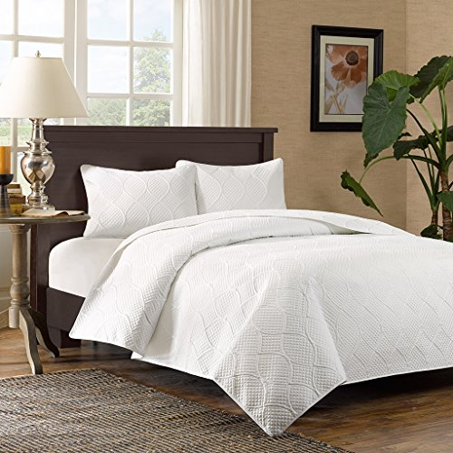 Madison Park Corrine King/Cal King Size Quilt Bedding Set - White, Patterned Texture - 3 Piece Bedding Quilt Coverlets - Ultra Soft Microfiber Bed Quilts Quilted Coverlet