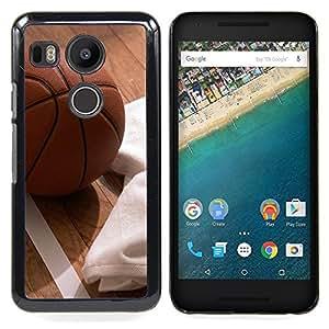 - Basketball & Floor - - Cubierta del caso de impacto con el patr??n Art Designs FOR LG Google Nexus 5X Queen Pattern