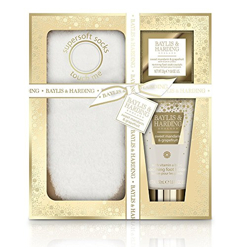 Price comparison product image Baylis and Harding Sweet Mandarin & Grapefruit Festive Feet Gift Set