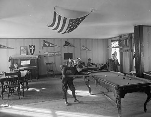 Early 1900s foto Barrio casa. Sala de billar Vintage blanco y ...