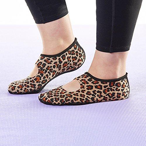 NuFoot Mary Janes Damenschuhe, beste faltbare und flexible Wohnungen, Reise- & Übungsschuhe, Tanzschuhe, Yoga Socken, Hallenschuhe, Hausschuhe Leopard